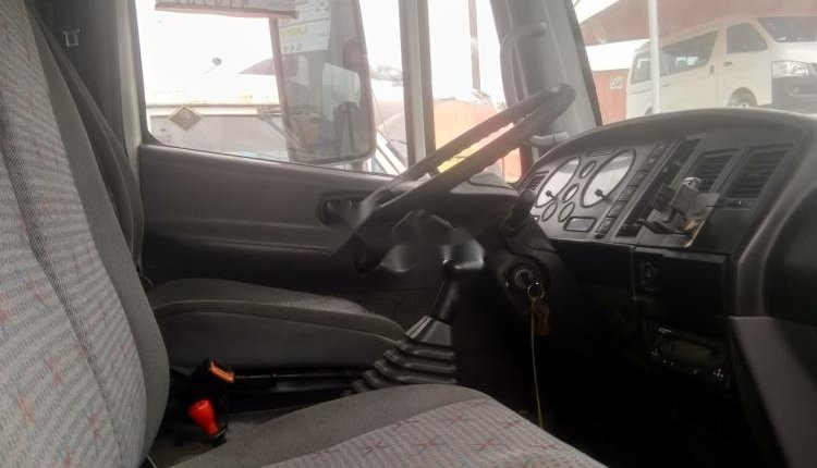Foreign Used Nissan Cabstar 2000 Model White-7