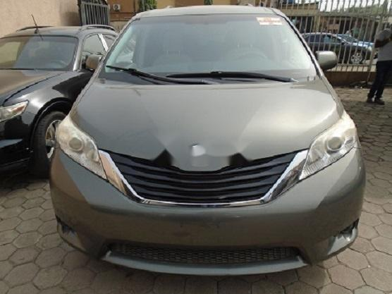 Foreign Used Toyota Sienna 2011 Model Gray-0