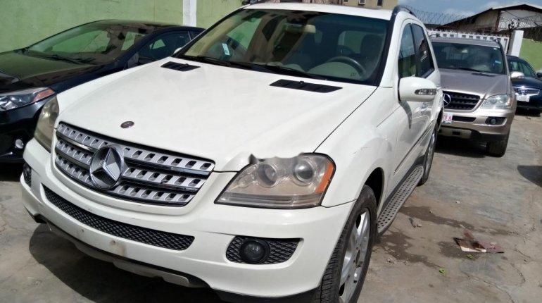 Nigeria Used Mercedes-Benz ML350 2007 Model White-0