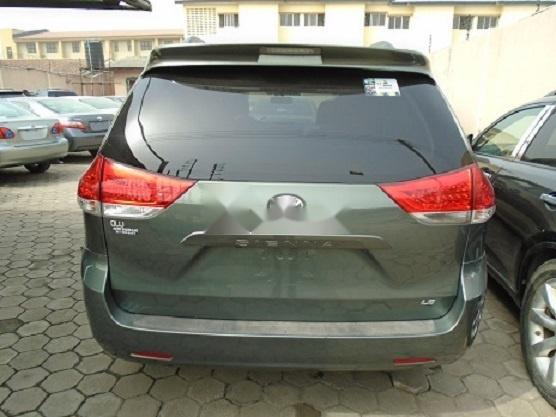 Foreign Used Toyota Sienna 2011 Model Gray-8