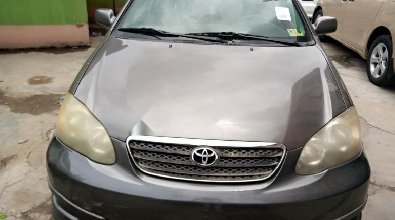 Foreign Used Toyota Corolla 2005 Model Gray-0