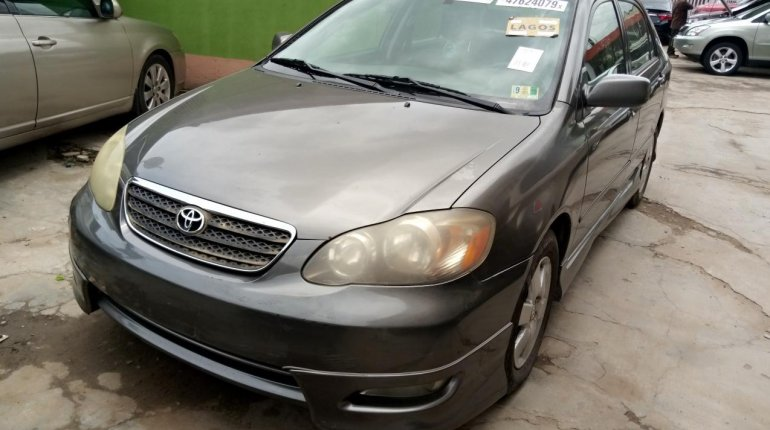 Foreign Used Toyota Corolla 2005 Model Gray-2