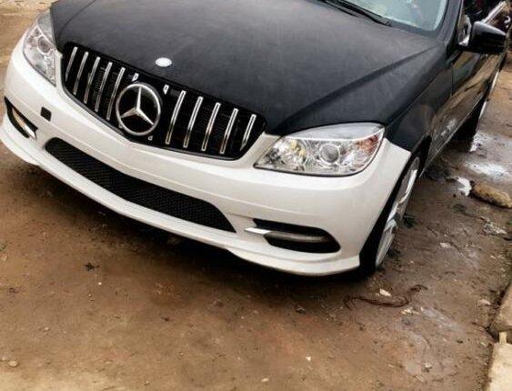 Nigeria Used Mercedes-Benz C300 2009 Model Black-3