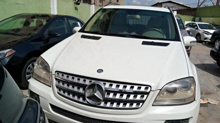 Nigeria Used Mercedes-Benz ML350 2007 Model White-4
