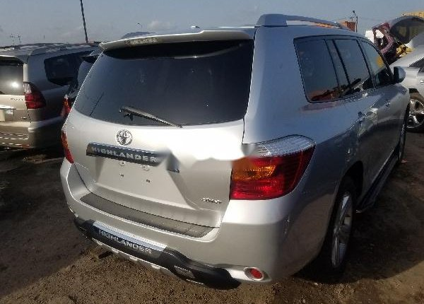 Foreign Used Toyota Highlander 2010 Model Silver-7