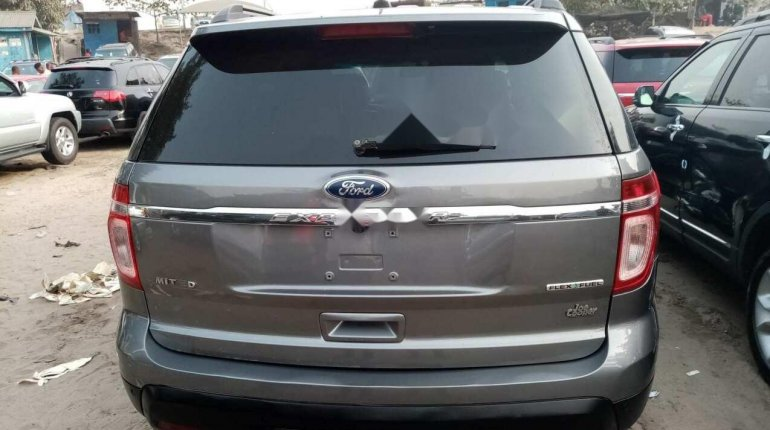 Foreign Used Ford Explorer 2013 Model Gray-9
