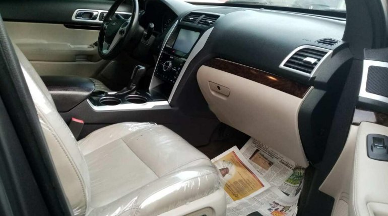 Foreign Used Ford Explorer 2013 Model Gray-2
