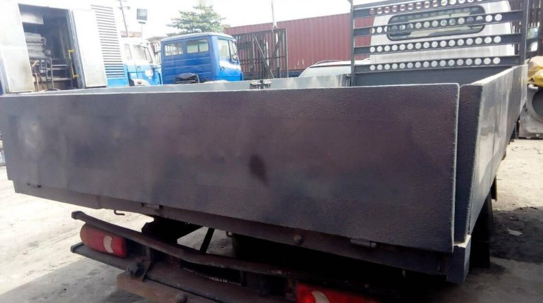 Neatly Used 2000 Nissan Cabstar for sale-5