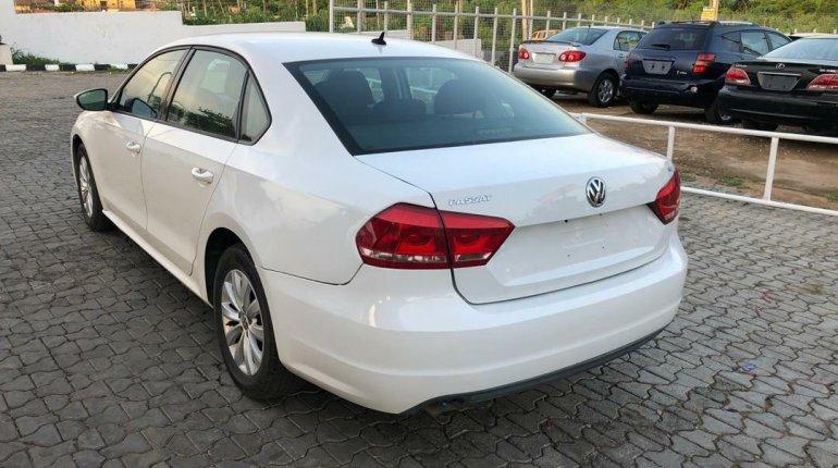 Foreign Used Volkswagen Passat 2012 Model White-5