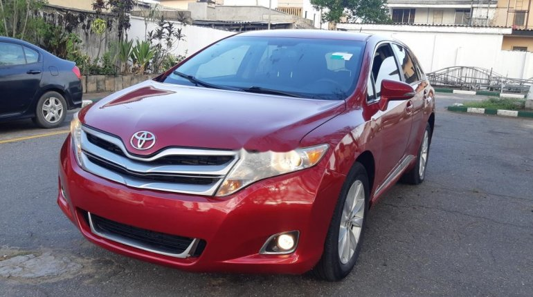 Foreign Used 2013 Maroon Toyota Venza for sale in Lagos. -0