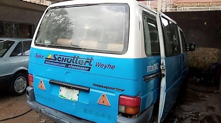 Very clean Nigeria used Volkswagen T4-6