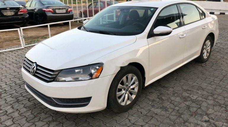 Foreign Used Volkswagen Passat 2012 Model White-8