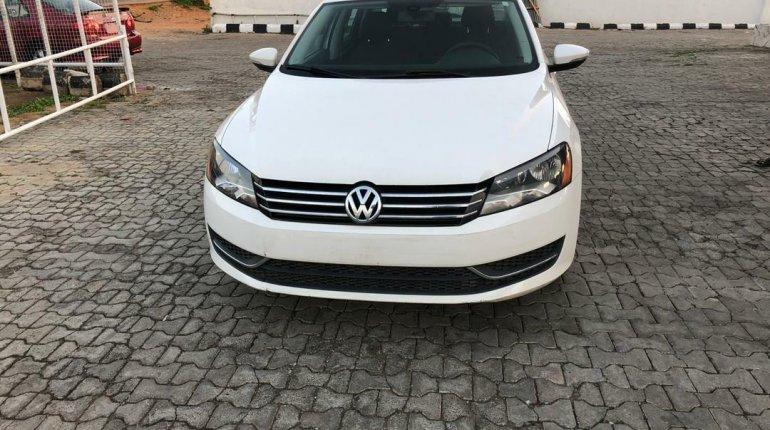 Foreign Used Volkswagen Passat 2012 Model White-7