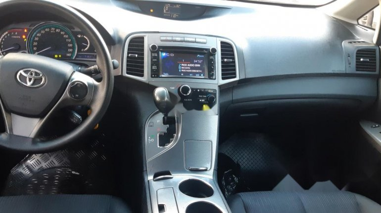 Foreign Used 2013 Maroon Toyota Venza for sale in Lagos. -5