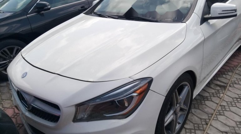 Sharp and neat Tokunbo Benz CLA 250, 2014 model-0