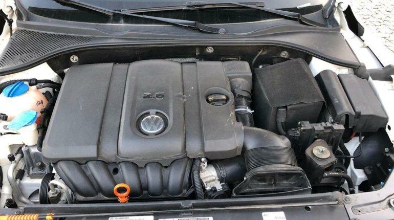 Foreign Used Volkswagen Passat 2012 Model White-2