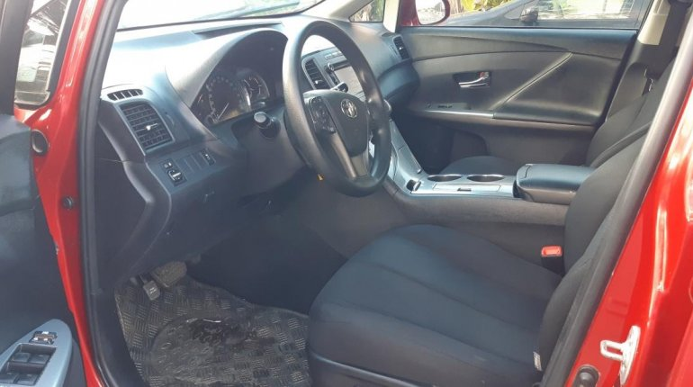 Foreign Used 2013 Maroon Toyota Venza for sale in Lagos. -2