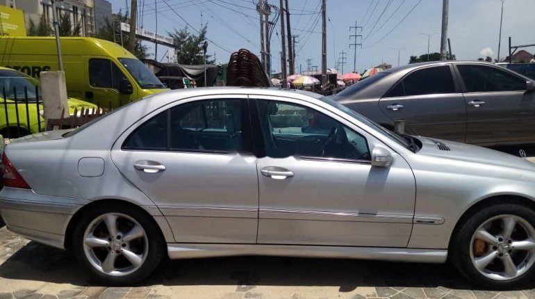 Foreign Used 2006 Mercedes-Benz C300 for sale-3