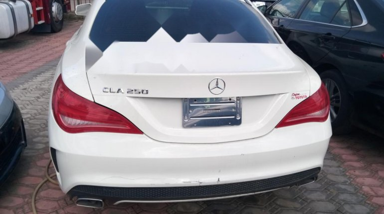 Sharp and neat Tokunbo Benz CLA 250, 2014 model-1