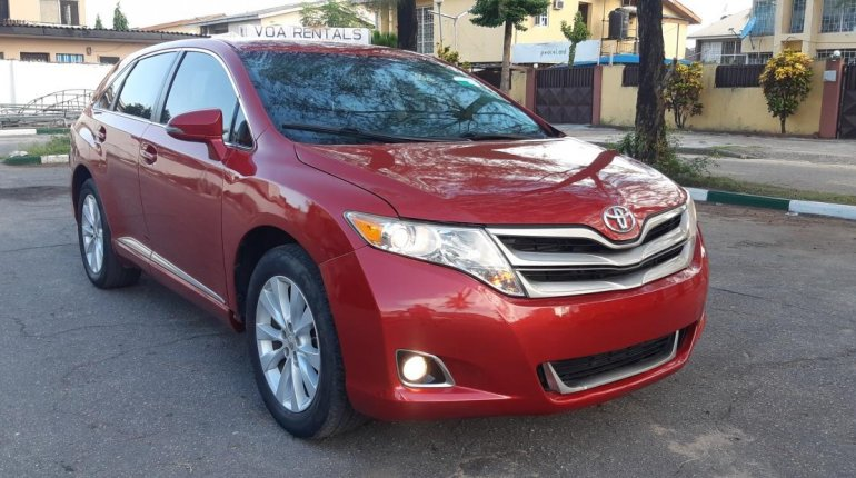 Foreign Used 2013 Maroon Toyota Venza for sale in Lagos. -4