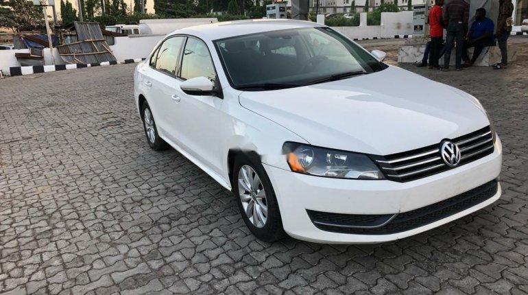 Foreign Used Volkswagen Passat 2012 Model White-0