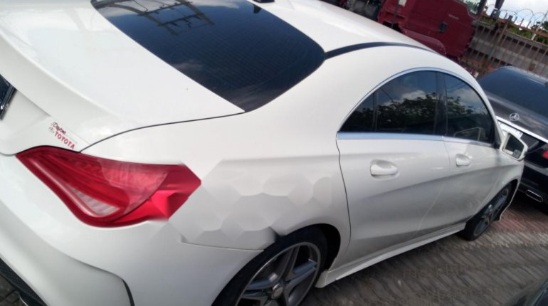 Sharp and neat Tokunbo Benz CLA 250, 2014 model-3