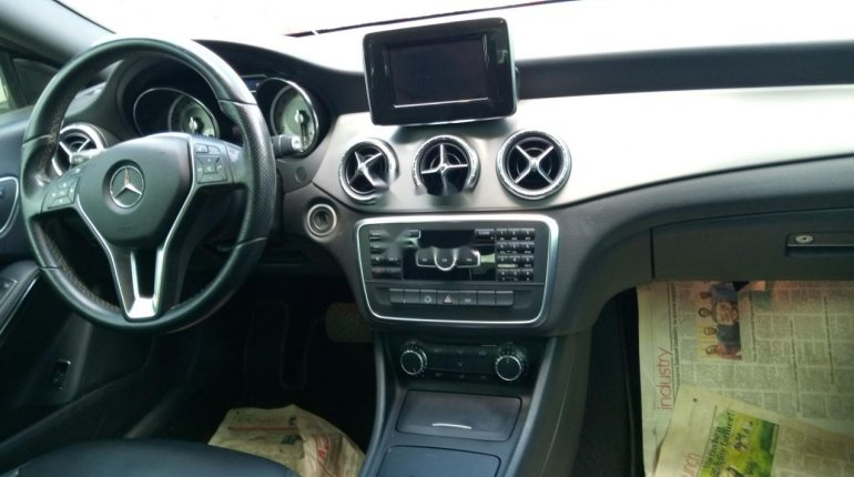 Sharp and neat Tokunbo Benz CLA 250, 2014 model-4