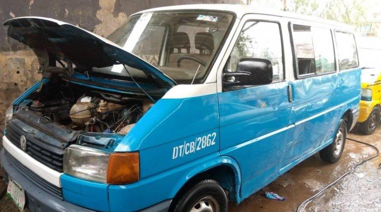 Very clean Nigeria used Volkswagen T4-2