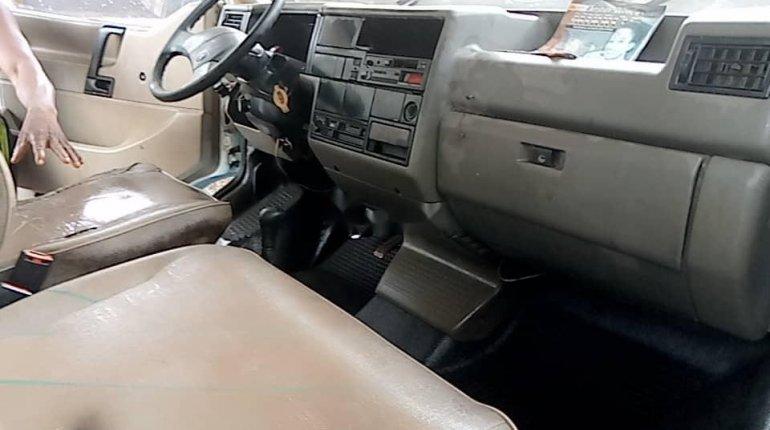 Very clean Nigeria used Volkswagen T4-3