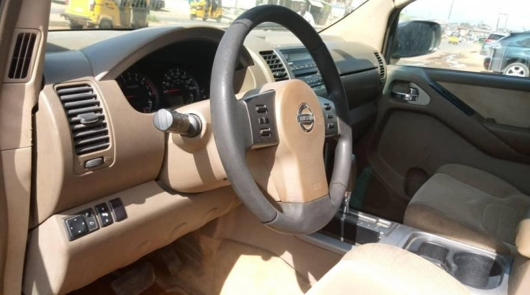 Clean Naija Used Nissan Pathfinder 2005 Model for sale-3