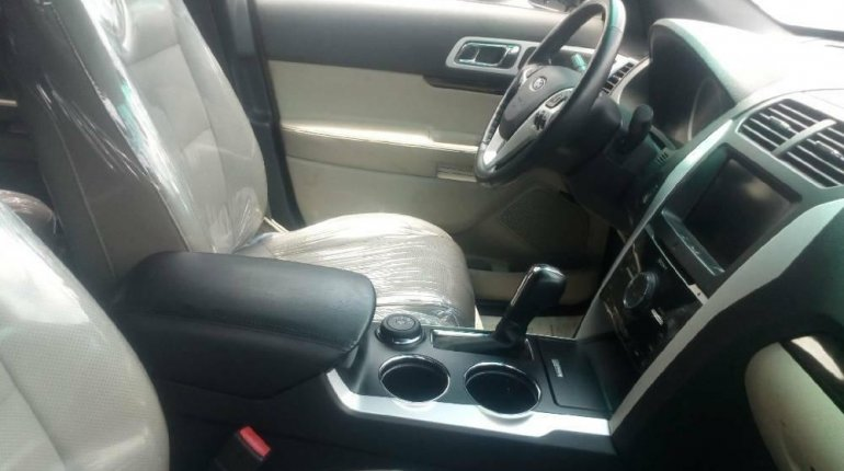 Foreign Used 2013 Black Ford Explorer for sale in Lagos. -2