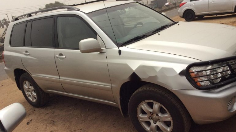 Foreign Used 2002 Toyota Highlander for sale in Lagos. -5