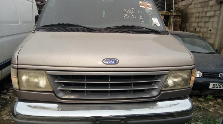 Foreign Used 2003 Maroon Ford T-300 for sale in Lagos. -0