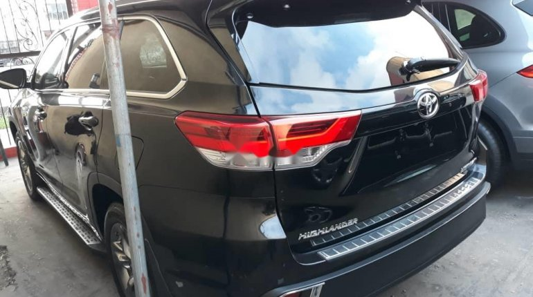 Super Clean Foreign Used 2018 Toyota Highlander LIMITED-8