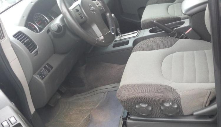 Foreign Used 2005 Grey Nissan Xterra for sale in Lagos. -3