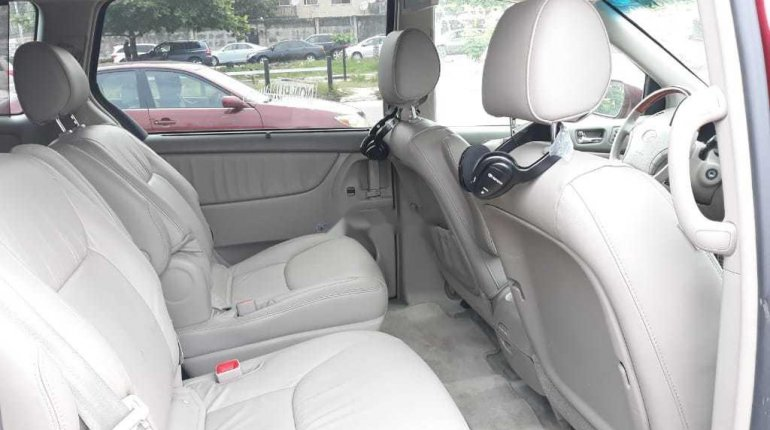 Foreign Used 2008 Toyota Sienna Limited XLE -7