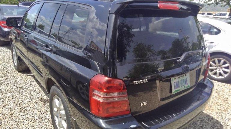 Naija Used Toyota Highlander 2003 Model for sale-3