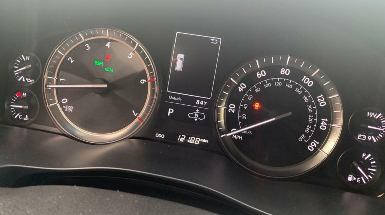 Super Clean Foreign Used 2016 Lexus 570 for sale in Lagos. -3
