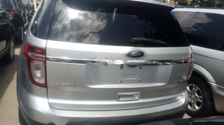 Foreign Used 2013 Silver Ford Explorer for sale in Lagos.-6