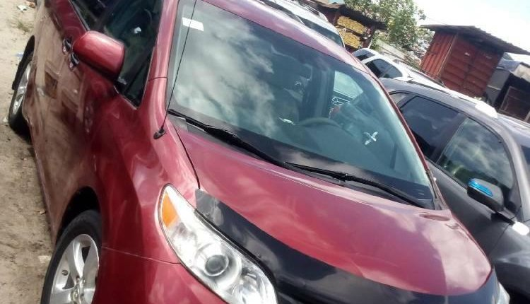 Foreign Used 2013 Maroon Toyota Sienna for sale in Lagos. -5