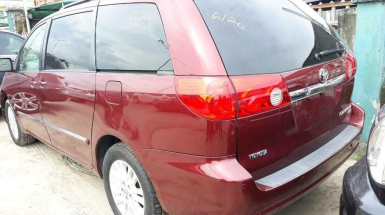 Foreign Used 2008 Toyota Sienna Limited XLE -2