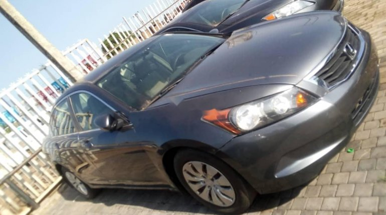 Foreign Used 2009 Grey Honda Accord for sale in Lagos.-6