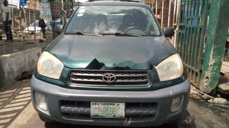 Locally Used 2003 Green Toyota RAV4 for sale in Lagos. -0