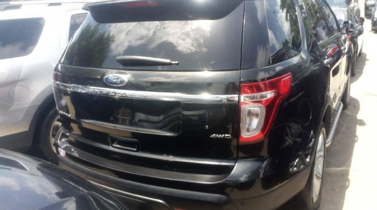 Foreign Used 2013 Black Ford Explorer for sale in Lagos. -6