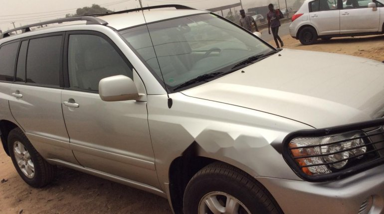 Foreign Used 2002 Toyota Highlander for sale in Lagos. -0