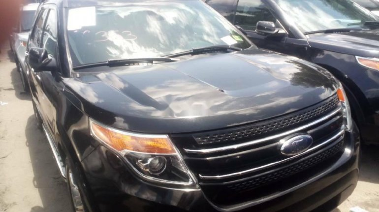 Foreign Used 2013 Black Ford Explorer for sale in Lagos. -0