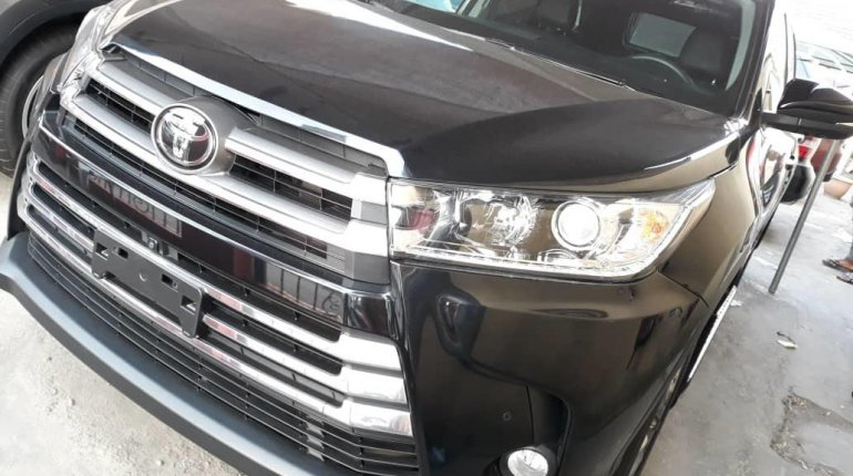 Super Clean Foreign Used 2018 Toyota Highlander LIMITED-11