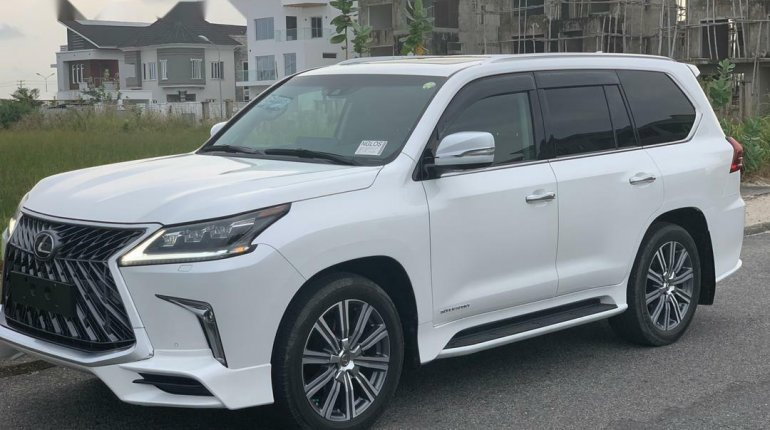 Super Clean Foreign Used 2016 Lexus 570 for sale in Lagos. -1