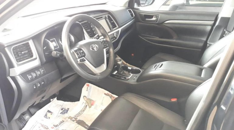 Super Clean Foreign Used 2018 Toyota Highlander LIMITED-7