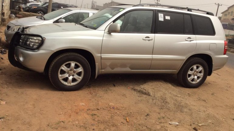 Foreign Used 2002 Toyota Highlander for sale in Lagos. -6